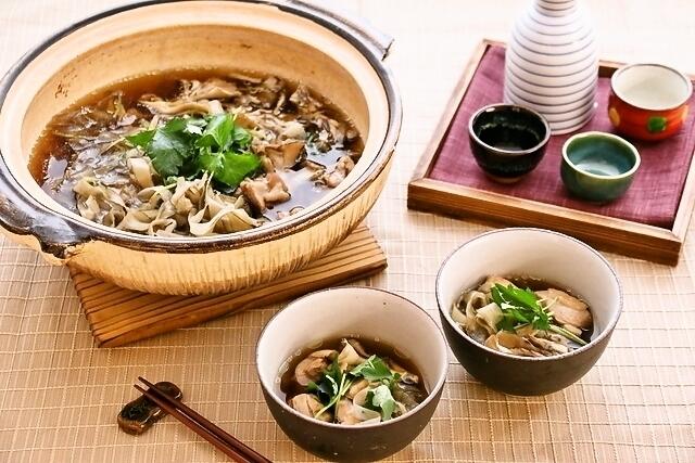 レシピ】鶏肉と舞茸の香り高い! ヘルシー「鶏ゴボウ鍋」