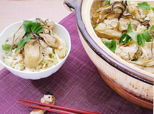 土鍋で炊いた牡蠣ご飯