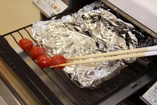 プチトマトを焼く