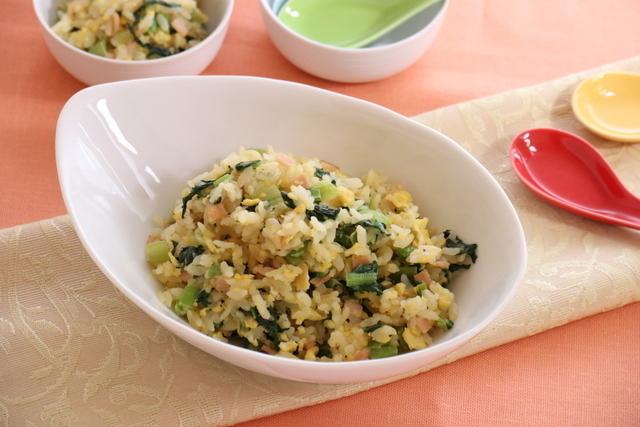 小松菜と卵のマヨチャーハン