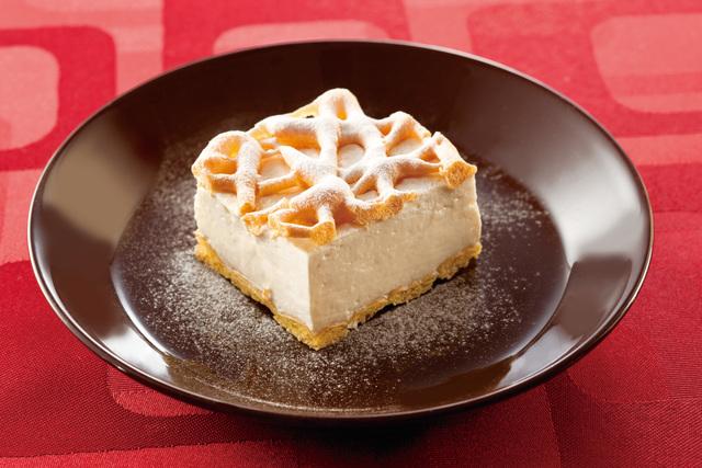 白い珈琲クリームのシューケーキ