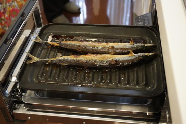 魚焼きグリルで秋刀魚を調理
