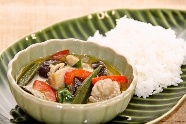 鶏肉と夏野菜のグリーンカレー