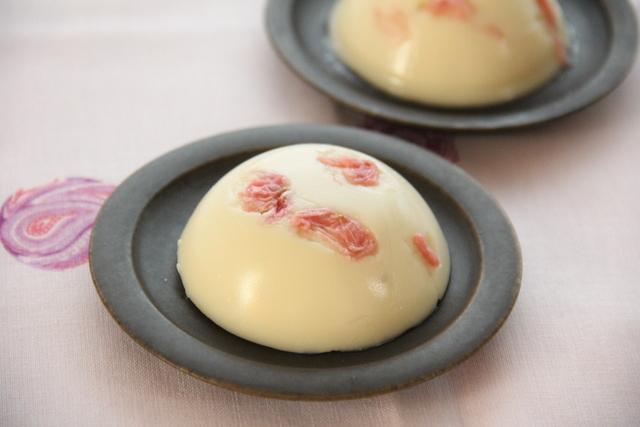 初桜(桜のクリーム水ようかん)
