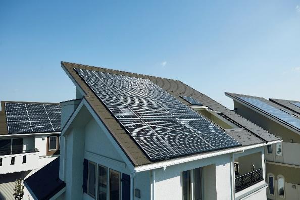 ソーラーパネルの屋根