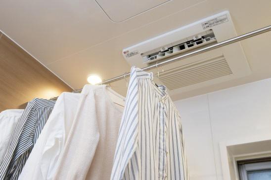 浴室乾燥機で室内干しする