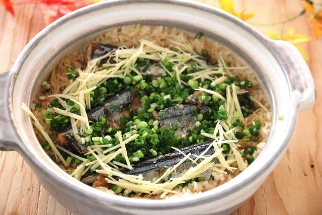 焼きさんまの土鍋ご飯