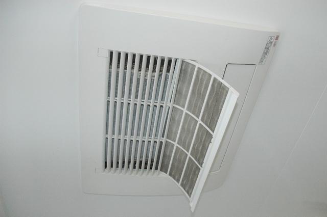 浴室暖房乾燥機のフィルター