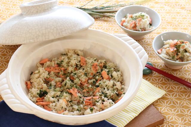 鮭とあおさの土鍋ご飯