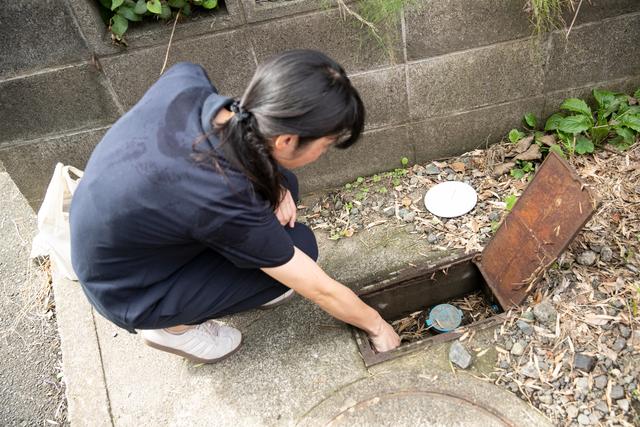 水道栓を開けて通水