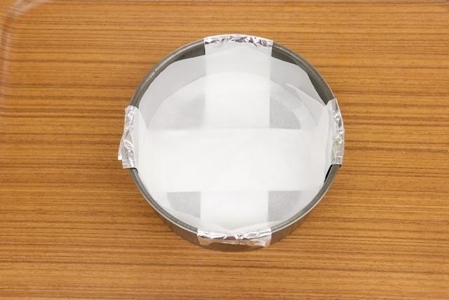 オーブンペーパーで型紙を作る