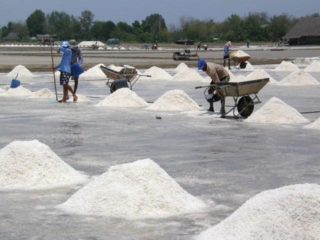 塩作りの様子