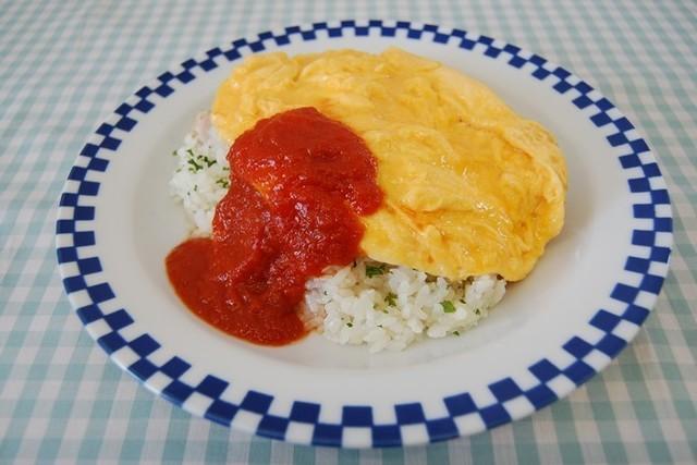オムライス~トマトソース添え~
