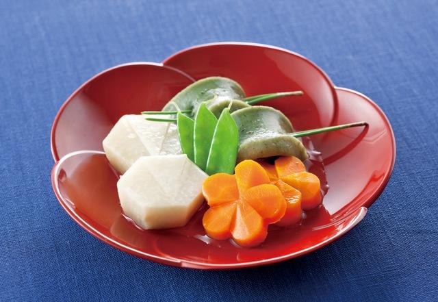 含め煮(鶴芋、梅花人参、よもぎ麩)