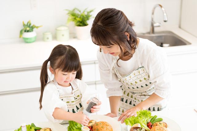 子どもと一緒に料理