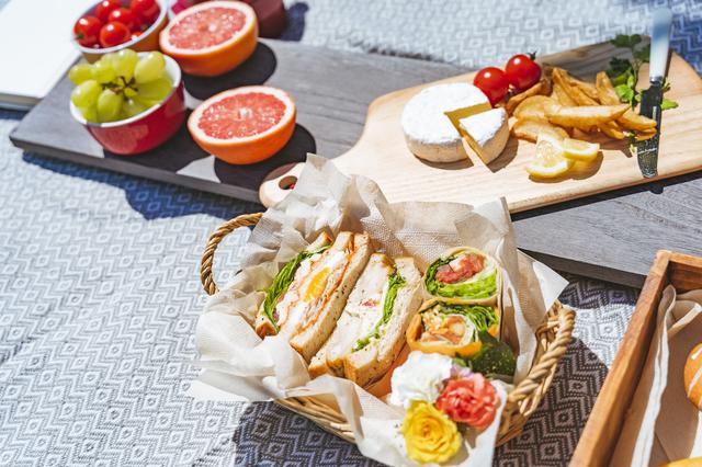 サンドイッチ中心の食卓
