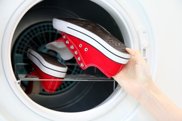 乾太くんで靴を乾かす