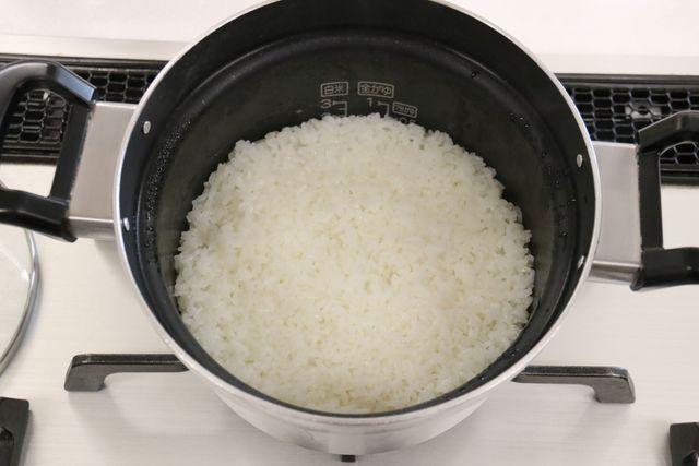 自動炊飯機能で炊く