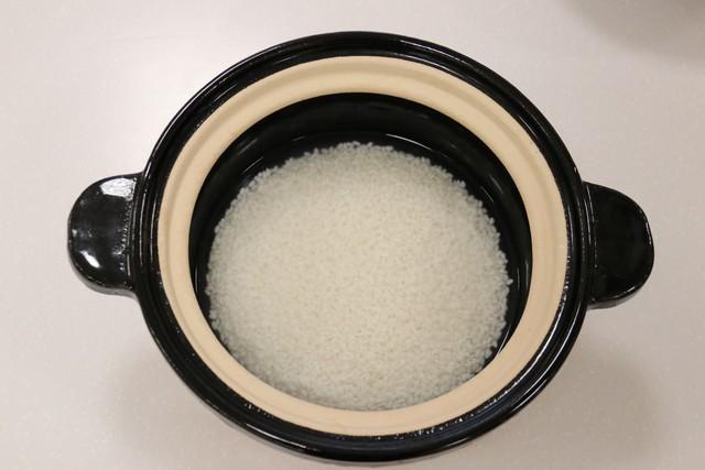 浸水させたお米をかまどさんに移す