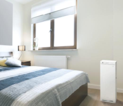 ベッドサイドの空気清浄機