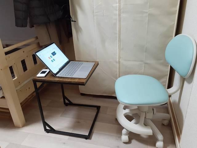 記者が子ども部屋に一時的に作ったWEB会議スペース