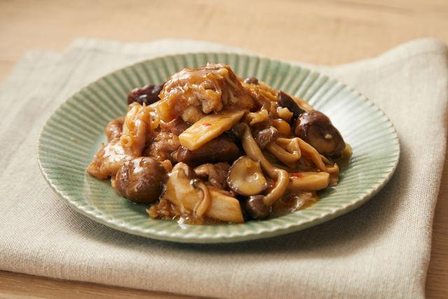 豚肉とキノコと甘栗のごちそう炒め