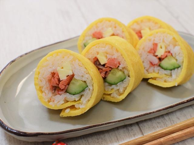 「卵巻き寿司」
