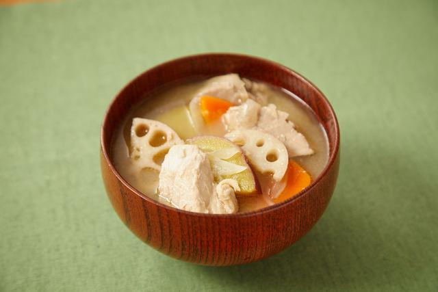 秋野菜たっぷり豚汁