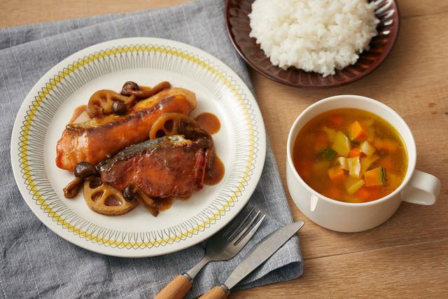 「秋鮭ときのこの照り焼き」と「コロコロ野菜スープ」