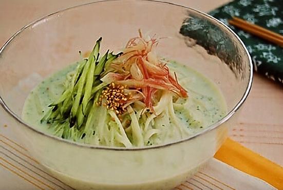 「きゅうりと豆乳スープの冷やし麺」