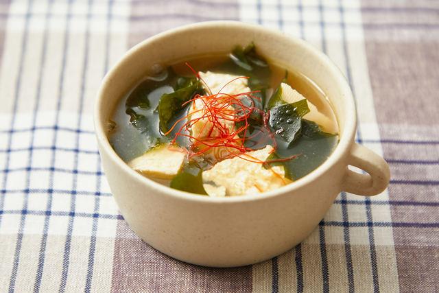 「豆腐とワカメの韓国風スープ」