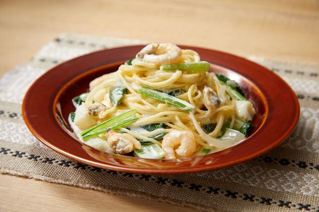 小松菜とシーフードのクリームパスタ