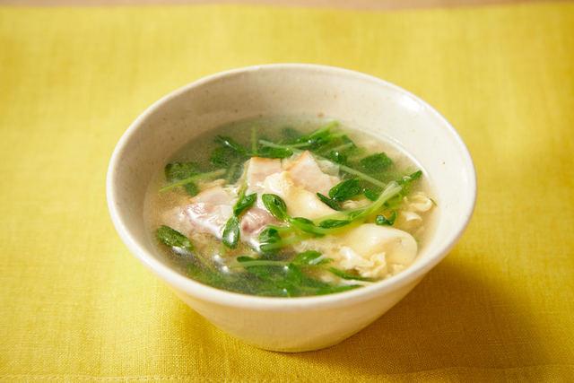 ふわたま豆苗スープ