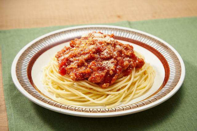 チキンミートソースのスパゲティ