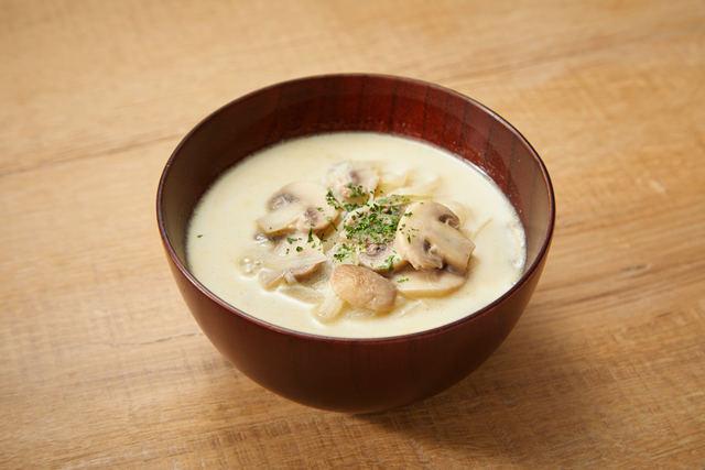 マッシュルームのサワークリームスープ