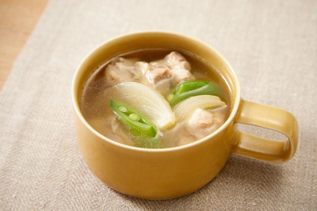 鶏肉と新たまねぎのスープ