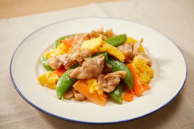 スナップエンドウと豚肉の卵炒め