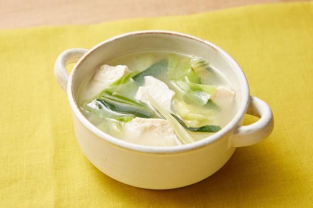 春キャベツと豆腐の中華スープ