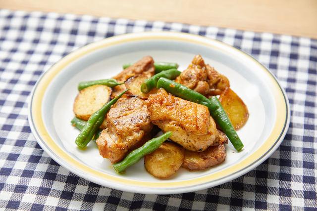 鶏肉と新ジャガのカレー炒め