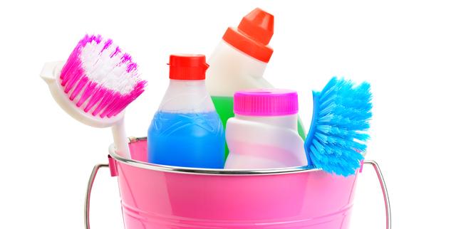 洗車ブラシなどの掃除道具