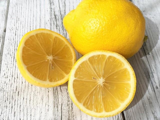 レモンをカットしたところ