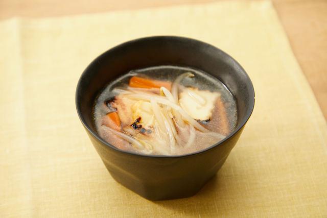 厚揚げともやしの中華スープ