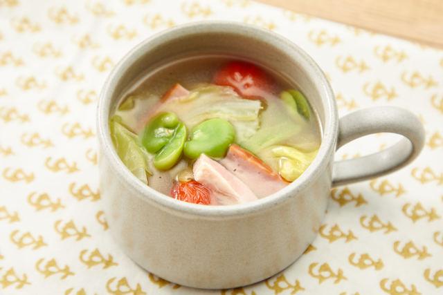 ソラマメとミニトマトのスープ