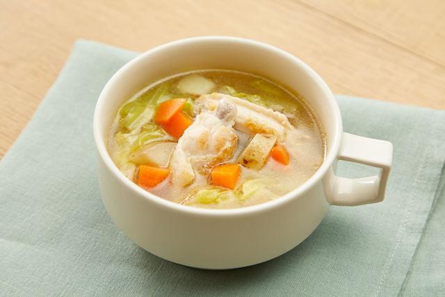 チキンスぺアリブと春野菜のスープ