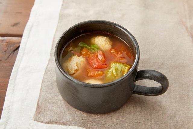 レタスとはんぺんつくねのトマトスープ