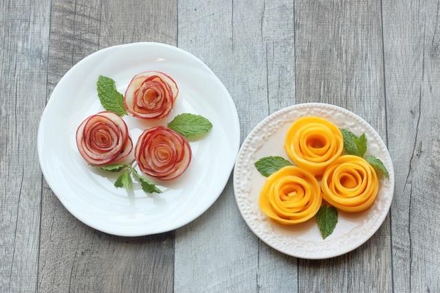 薄くスライスしたフルーツで作られたお花