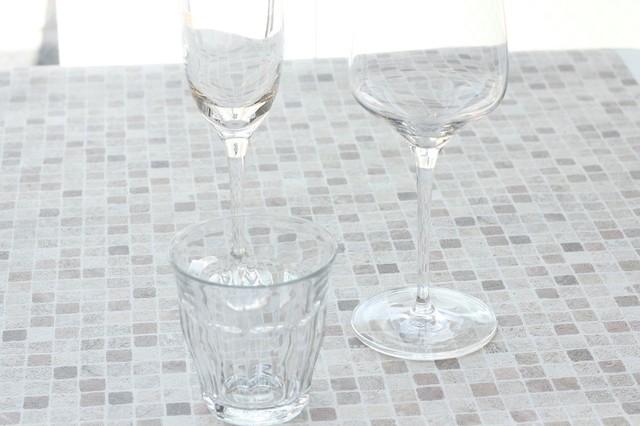 小さなコップやワイングラス