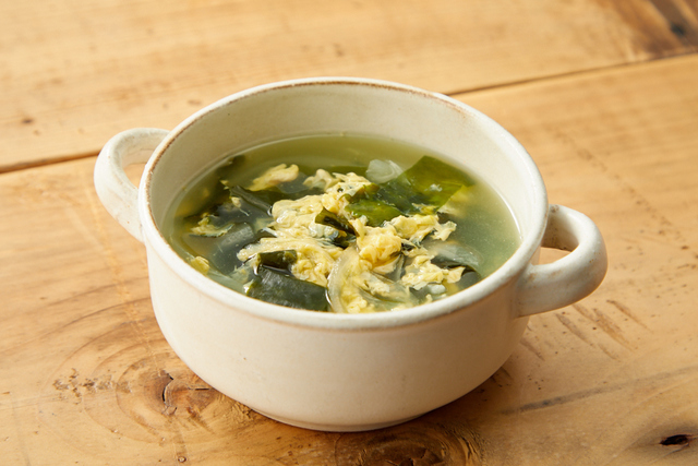 わかめと玉ねぎの卵スープ