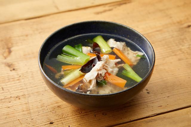 豚肉ときくらげのスープ