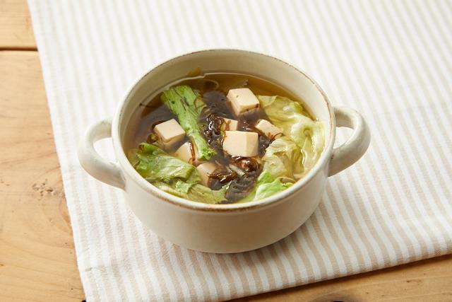 豆腐ともずくのスープ